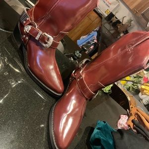 Heiress Red Boot